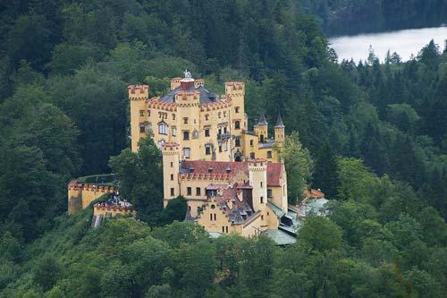 شوالیه ها در قلعه