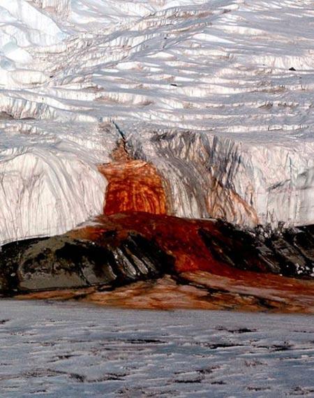 زیباترین پدیده های طبیعی,مکان های دیدنی جهان,آبشار خون ویکتوریا