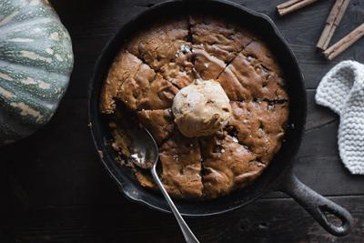 پخت کیک کدوی شکلاتی,نحوه درست کردن کیک کدوی شکلاتی