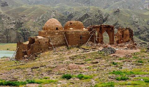 مکانهای دیدنی طارم,قلعه شمیران طارم,آثار تاریخی طارم