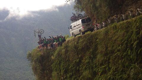 یونگاس,جاذبه های گردشگری بولیوی,زیباترین جاده های جهان